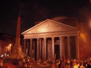 Pantheon a Roma di notte